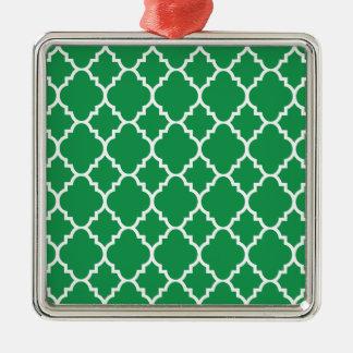 Quatrefoil för grön vit marockanskt mönster silverfärgad fyrkantigt julgransprydnad