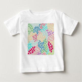 Räcka den målade blommaduschen t-shirt