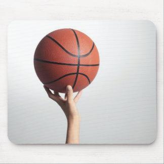 Räcker innehav en basket, räcker närbild musmatta