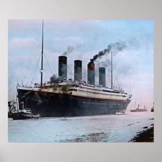 Räcker Titanic jungfru- resavintage för RMS kulört Poster
