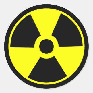 Radioaktivt symbol för kärn- utstrålningssymbol runt klistermärke