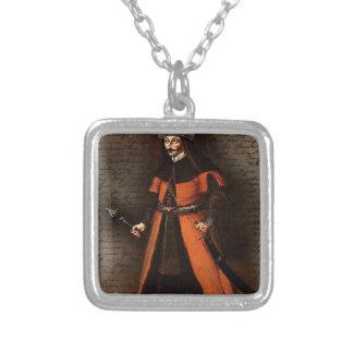 Räkning Vlad Dracula Halsband Med Fyrkantigt Hängsmycke