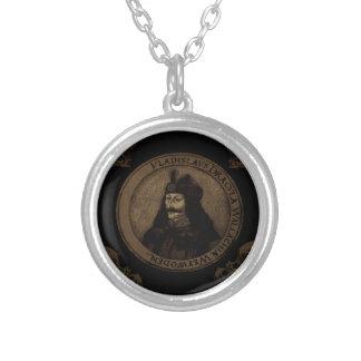 Räkning Vlad Dracula Halsband Med Rund Hängsmycke