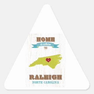 Raleigh hem- North Carolina karta - är var Triangelformat Klistermärke