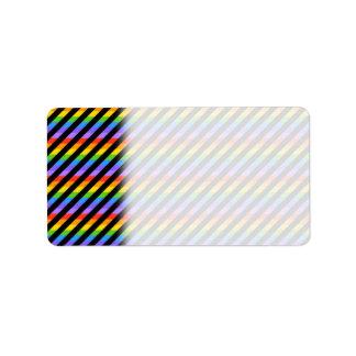 Randar i svart- och regnbågefärger adressetikett