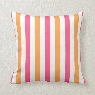 Randig dekorativ kudde för rosor och för orange