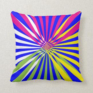 Randigt designat för färgrik roligtabstrakt kudde