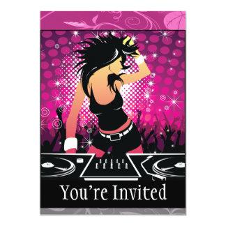 Raverflicka som dansar DJ 12,7 X 17,8 Cm Inbjudningskort