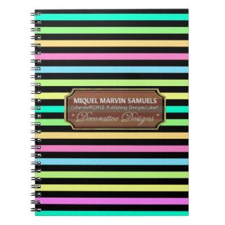 Regna dekorerade moderna anteckningsboken för anteckningsbok