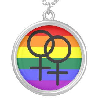 Regnbåge färgad lesbisk prideflagga silverpläterat halsband