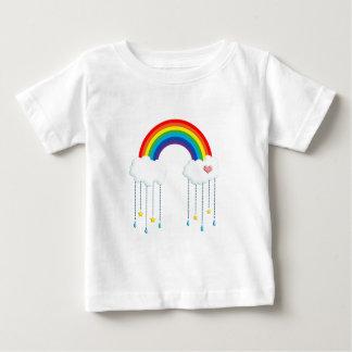 Regnbåge och moln som regnar stjärnor t-shirts