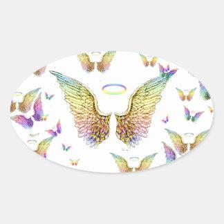 Regnbågeängelvingar och glorior ovalt klistermärke