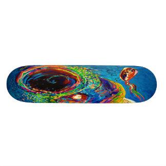 Regnbågeforell som jagar ett drag skateboard decks