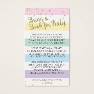 Regnbågerandbaby shower kommer med ett visitkort