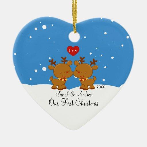 Renen kopplar ihop vår första julprydnad jul dekorationer