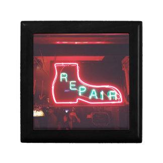 Repare neon undertecknar NYC Presentskrin