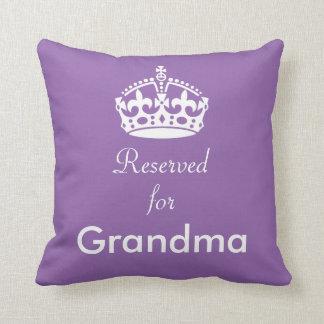 Reserverat för krona för mormor (eller något namn) kudde