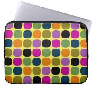 Retro färgrikt kvadrerar det moderna geometriska m laptop sleeve