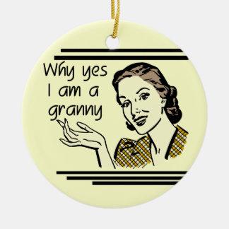 Retro GrannyT-tröja och gåvor Julgransprydnad Keramik