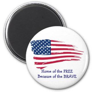 Returnera av det fritt vågigt flagga magnet rund 5.7 cm