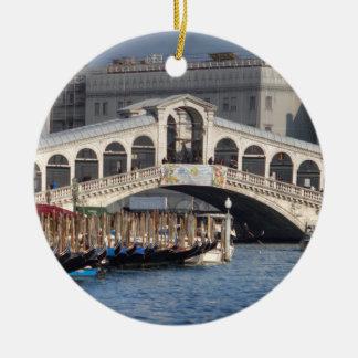 Rialto överbryggar den Venedig italien Julgransprydnad Keramik