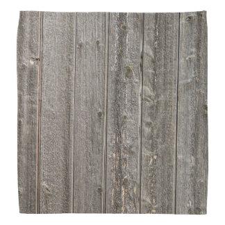 Ridit ut trä med många skuggar av bruntoch grått scarf