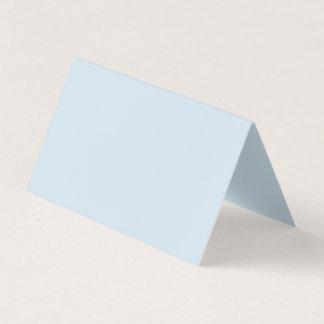 Riktning: Det vikta horisontaltält är inte likt Visitkort