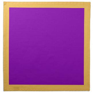 Ringblomma och violetta servetter