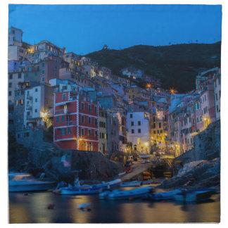 Riomaggiore på den nattCinque Terre Liguria Tygservett