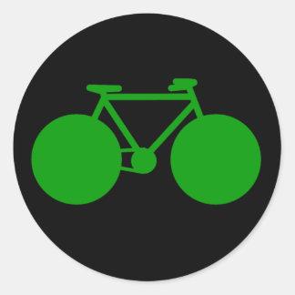 ritt på. grön inställning för cykel runt klistermärke