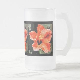 Ro av den Sharon hibiskusen Frostat Ölglas