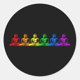 Ro av regnbågen Buddhas Runt Klistermärke