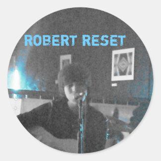Robert nollställer levande klistermärkear runt klistermärke
