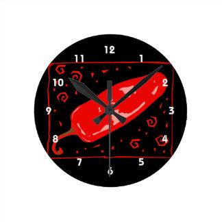 Röd chili rundade pepparsquirls rund klocka