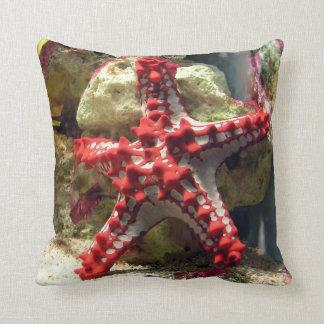 Röd Knobbed sjöstjärna - skjutit oerhört Dekorativ Kudde