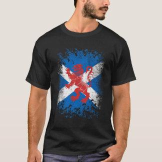 Röd lejon våldsam och skotsk flagga t-shirts