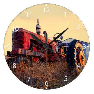 röd maskinvintage för gammal traktor stor klocka
