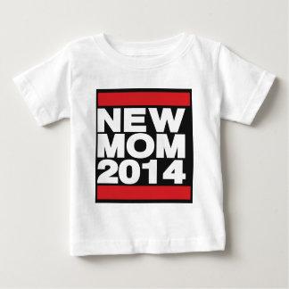 Röd ny mamma 2014 t-shirt