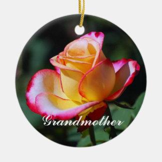 Röd och gul och rosa rosprydnad för farmor julgransprydnad keramik