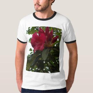 Röd Rhododendronblomma och knoppar T-shirt