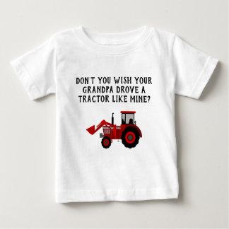 Röd rolig traktormorfar för pojke tee shirt