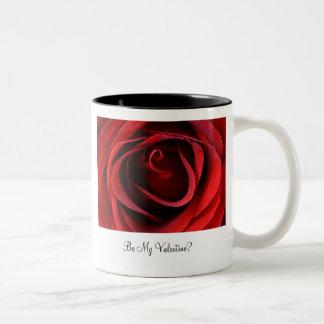 Röd ros upp slut, är min valentin? Två-Tonad mugg