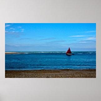 Röd seglad fartygfotokanfas posters
