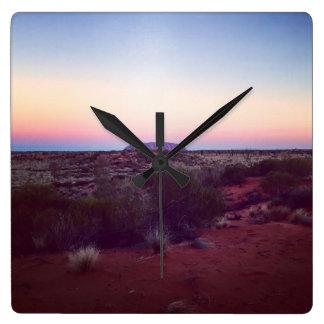 Röda Australien tar tid på Fyrkantig Klocka
