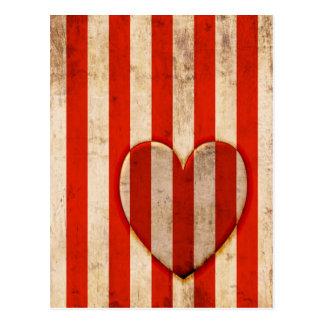Röda randar för vintagehjärta vykort