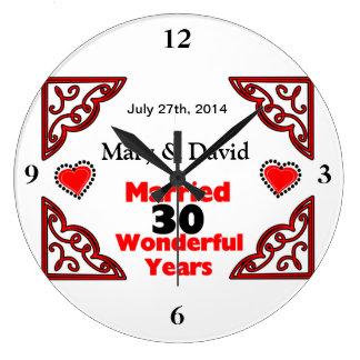 Röda svart hjärtanamn & daterar 30 år årsdag stor rund klocka