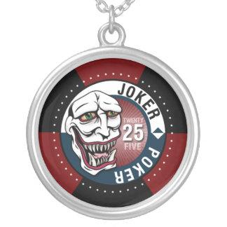 Rödbrunt Jokerpokerhalsband - Halsband Med Rund Hängsmycke