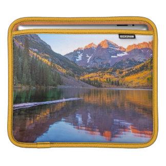 Rödbrunt Klockor Alpen glöd iPad Sleeve