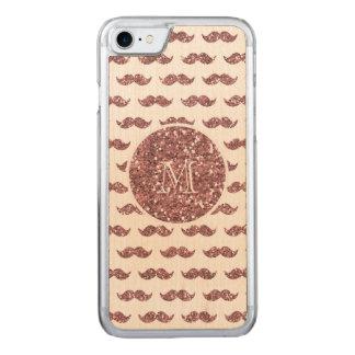Rodna mönster för rosaglittermustasch din Monogram Carved iPhone 7 Skal