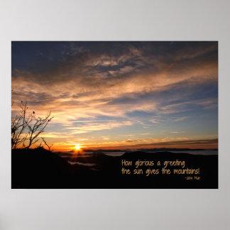 Rökig Mtn soluppgång/hur härligt…, J Muir Poster